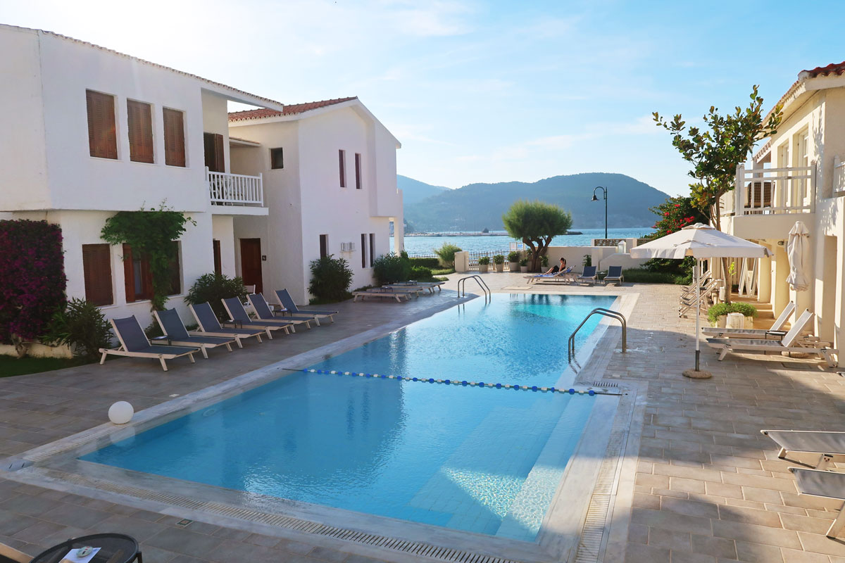 Skopelos-village-hotel