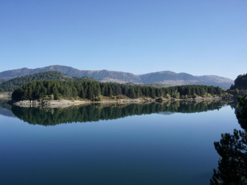Aoos_Springs_Lake