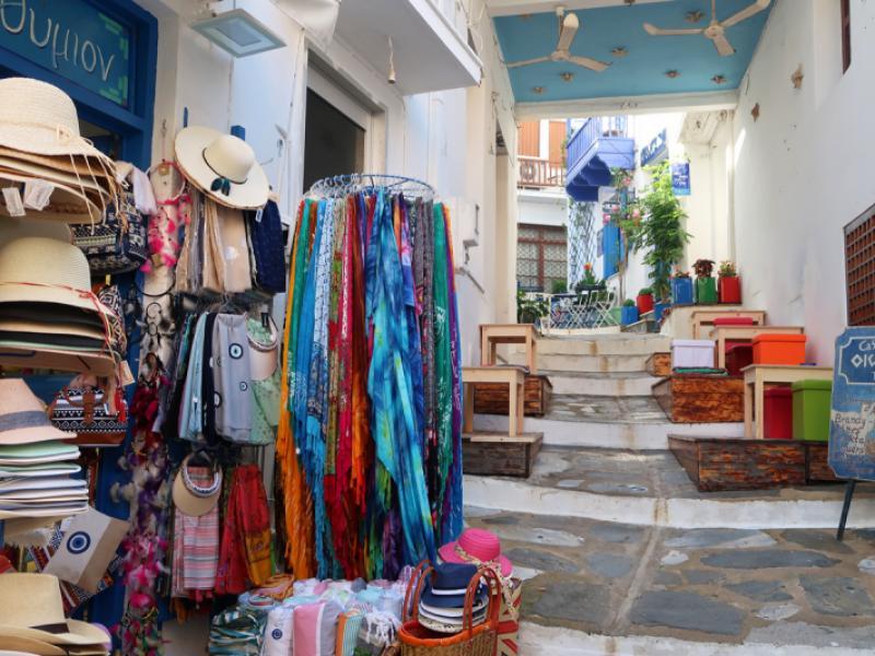 Skopelos-town-souvenirs